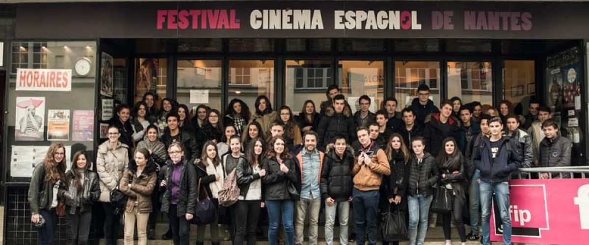 """Daniel Guzmán, réalisateur, """"A cambio de nada"""" parmi les élèves du Lycée St Dominique de St Herblain"""